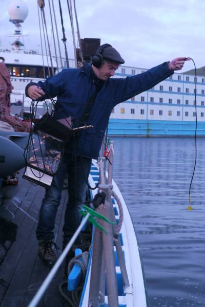 recording sound with hydrophone