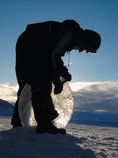 carving an ice lens